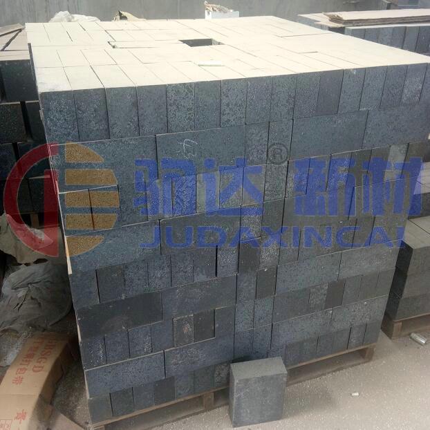 不粘铝碳化硅砖