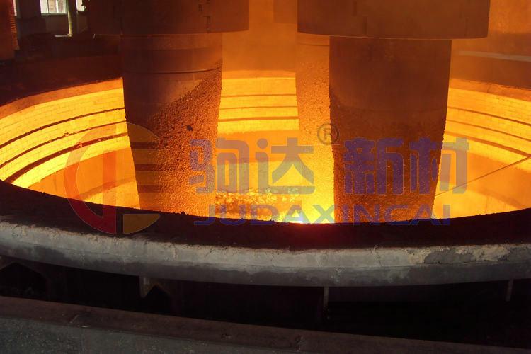 工业硅矿热炉内衬耐火材料的砌筑