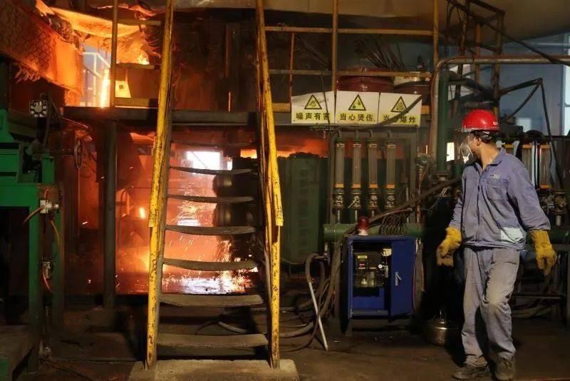 玄武纤维池窑炉